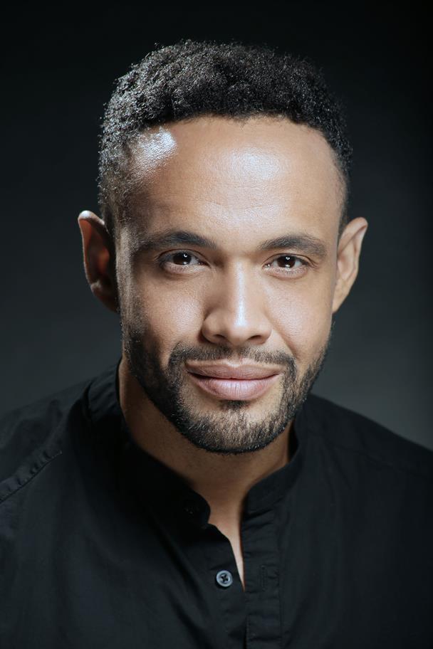 Headshot of Leon Lopez