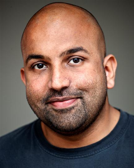 Naveed Khan headshot