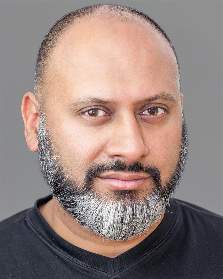 Simon Nagra headshot