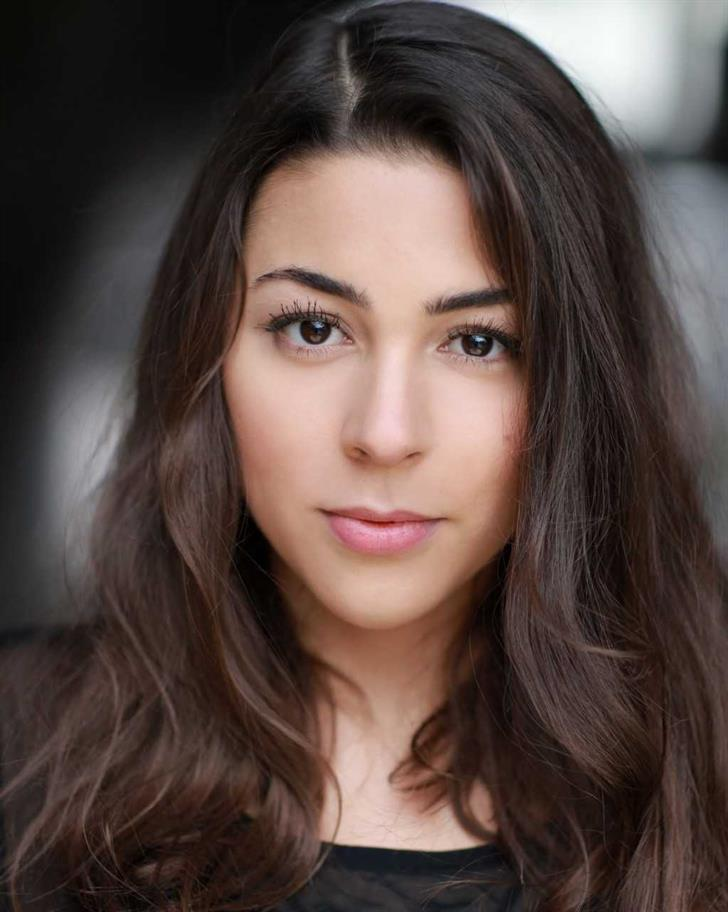 Sophie Khan Levy headshot