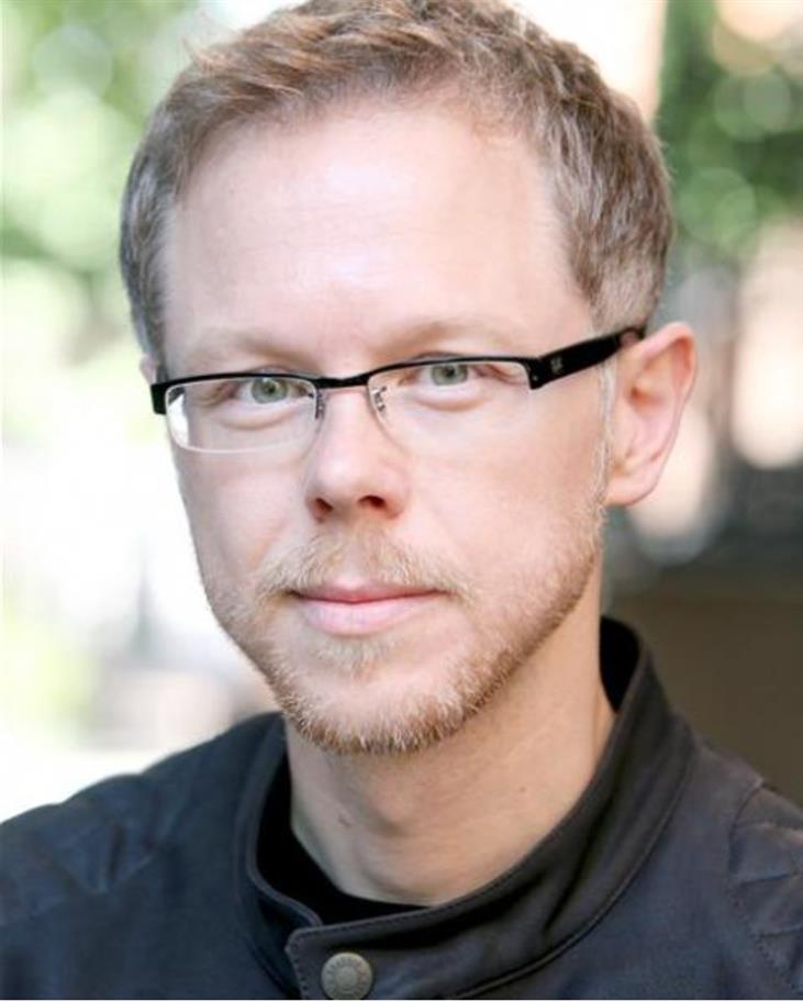 Steven Kynman Headshot