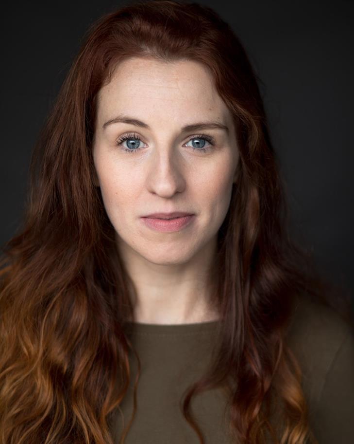 Zoe Halliday headshot