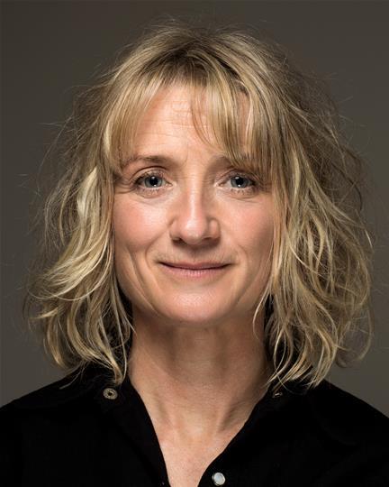 Zoe Lambert headshot