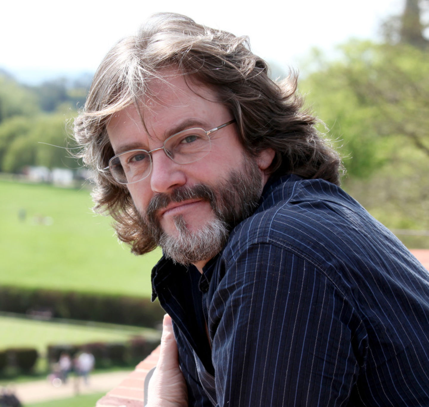 Gregory Doran receives Hay Festival medal