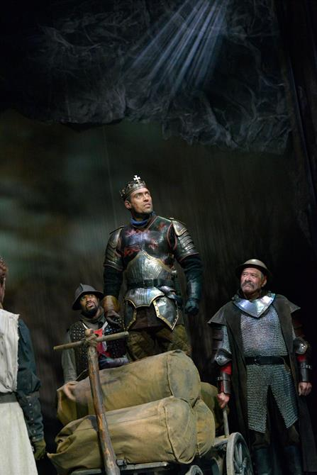 Alex Hassell as Henry V in Henry V