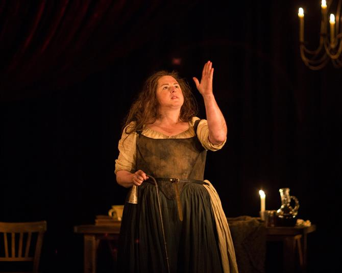 the alchemist royal shakespeare company siobhan mcsweeney as dol common in the alchemist