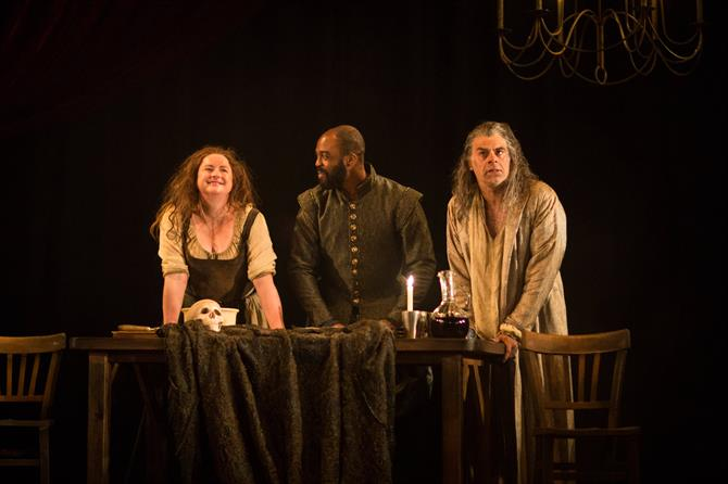 Siobhán McSweeny as Dol Common, Ken Nwosu as Face and Mark Lockyer as Subtle in The Alchemist