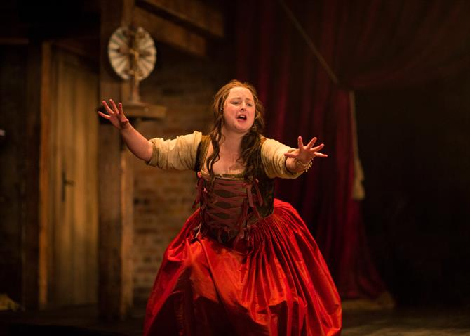 Siobhan McSweeney as Dol Common in The Alchemist