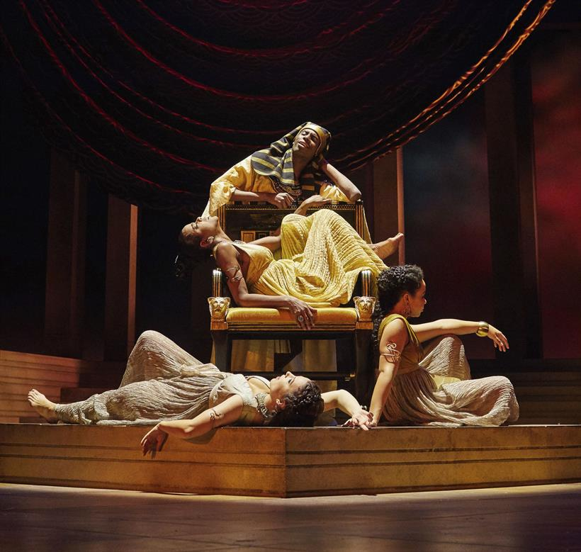 a review of shakespeares tragic play anthony and cleopatra Antony and cleopatra shakespeare's globe 24 august 2014 3 stars sometimes, quite unexpectedly, live theatre provides wholly unplanned and remarkably memorable moments of pure joy.