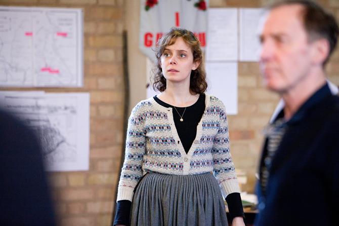 Sarah Middleton standing