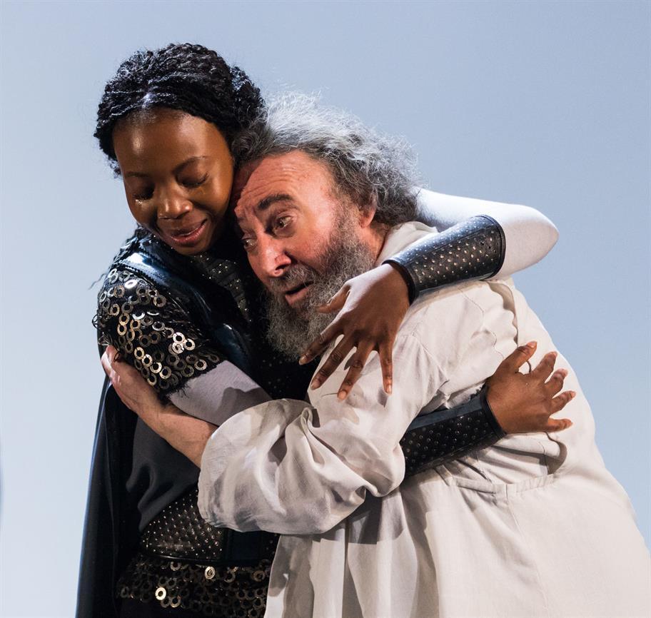 Mimi Ndiweni (Cordelia) comforting Antony Sher (King Lear).