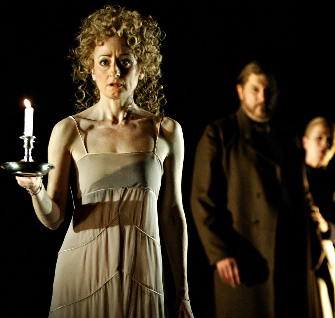 macbeth by shakespeare lady macbeth Welcome to myshakespeare's macbeth, a multimedia edition of the play for the 21st-century student complete audio recordings emphasize clarity and comprehension our contemporary translation makes shakespeare's language more approachable.