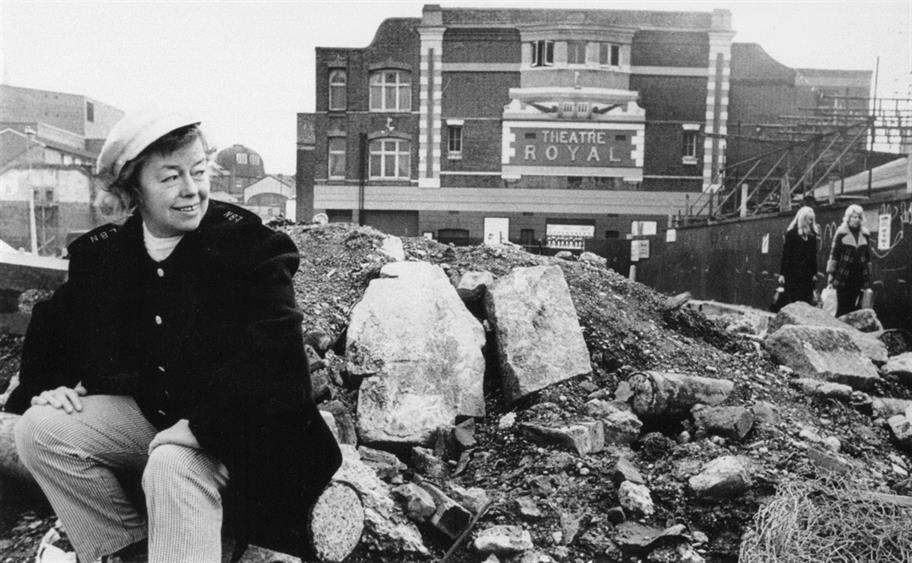 Joan_Littlewood_and_Theatre_Royal