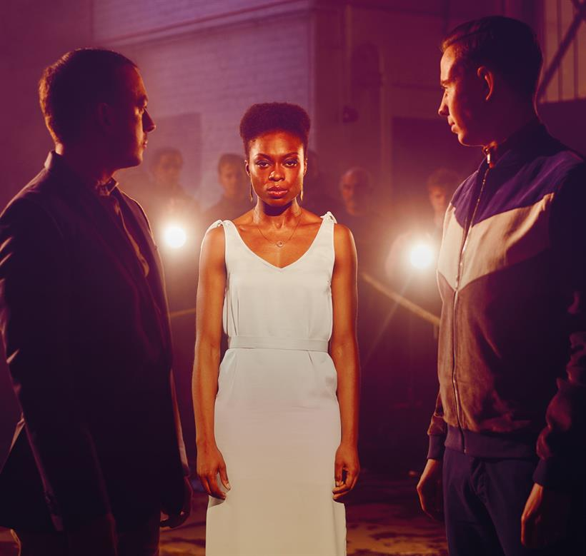 the duchess of malfi women The duchess is such a strong woman, a woman who falls blamelessly at the centre of some truly cruel men and circumstances – her selflessness and strength in the face of all this sets her apart.