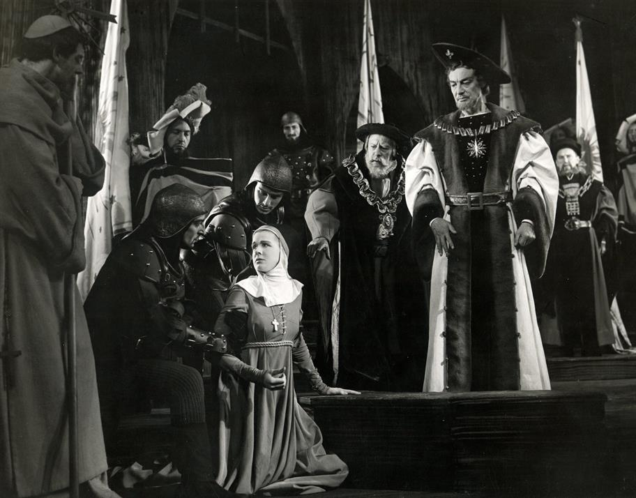 Measure for Measure, 1956: Isabella kneels before the Duke and begs for forgiveness on Angelo's behalf, Act 5 Scene 1
