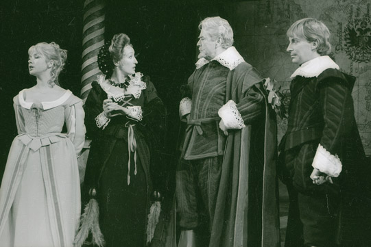Diana (Helen Mirren) and the widow (Elizabeth Spriggs) confront Bertram (Ian Richardson) in the presence of the King of France (Sebastian Shaw).
