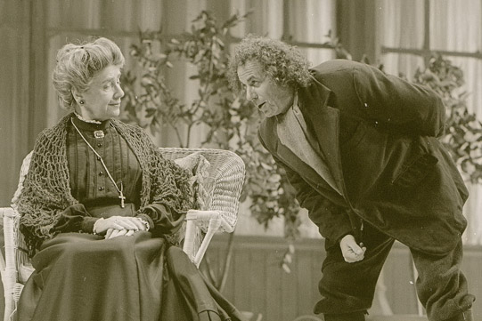 Lavache (Geoffrey Hutchings) asking The Countess (Peggy Ashcroft) for her permission for him to marry.