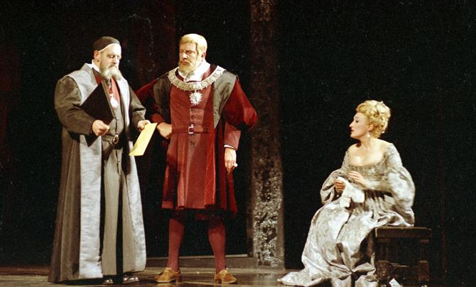 Polonius (Tony Church) shows the King (Brewster Mason) and the Queen (Elizabeth Spriggs) a love letter from Hamlet to Ophelia  (Hamlet 1965)
