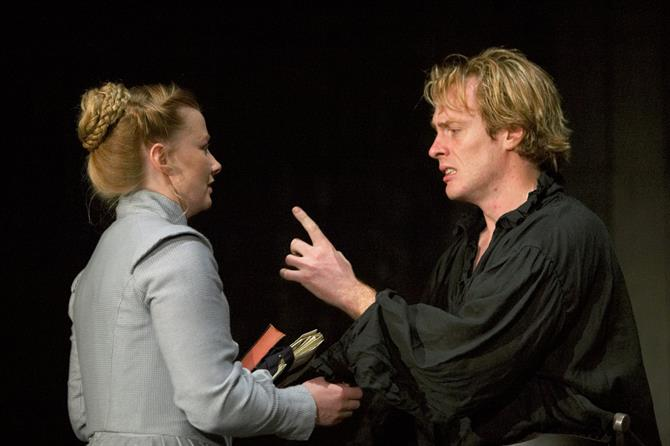 Hamlet points angrily at Ophelia