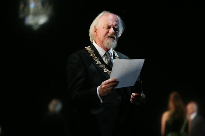 Oliver Ford Davies as Polonius in Gregory Doran's 2008 production of Hamlet