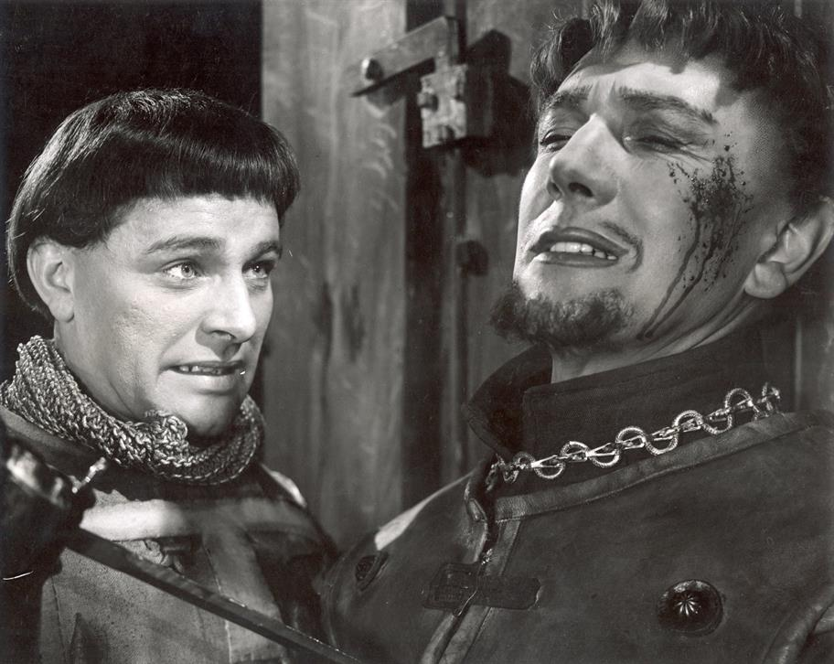Hal (Richard Burton) kills Hotpsur (Michael Redgrave) in Henry IV Part I, 1951