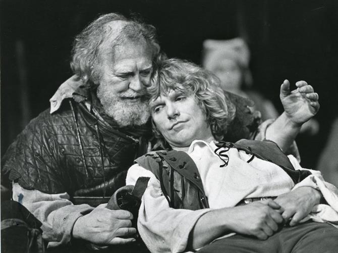Falstaff (Joss Ackland) embraces Prince Hal (Gerard Murphy) in Henry IV Part 1 1982 at the Barbican Theatre