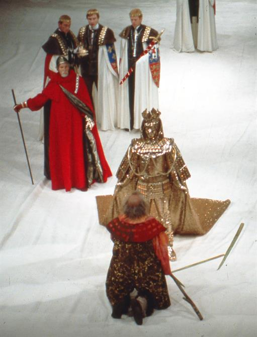 Coronation scene in Henry IV Part II 1975