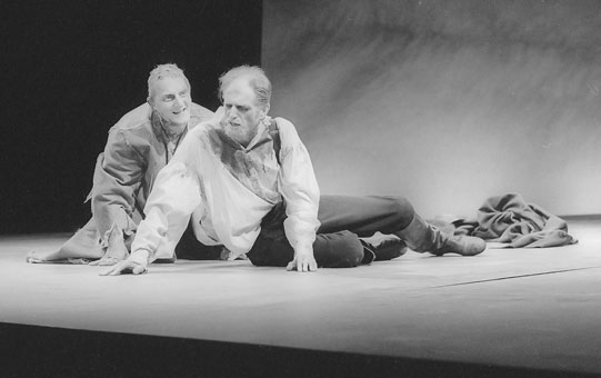 Edgar (Simon Russell Beale) takes Gloucester (David Bradley) to the edge of the cliff.