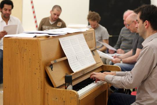 Reheasing Paul Englishby's  music for Love's Labour's Lost 2008