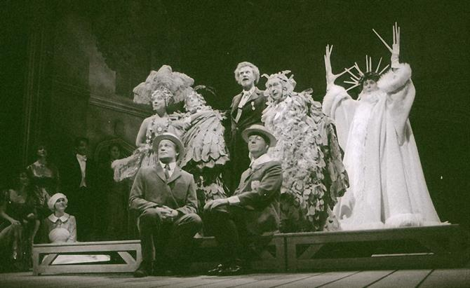 The pageant in Love's Labour's Lost, 1993,  featuring Jaquenetta (Sara Weymouth), Costard (Mark Lewis-Jones), Sir Nathaniel (Raymond Bowers), Don Armado (Daniel Massey), Moth (Christopher Luscombe), Holofernes (John Normington), Dull (Mike Burnside)