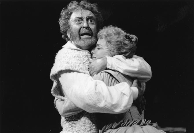 Othello (Donald Sinden) embraces Desdemona (Suzanne Bertish) in Othello 1979