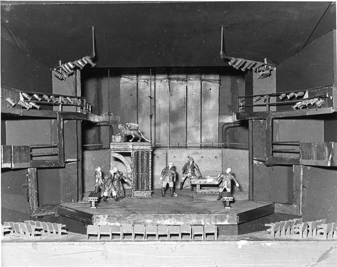 Pamela Howard's model box set for the Senate in Othello 1979