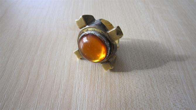 Ian Richardson's gold ring with amber jewel worn in John Barton's 1973 production of Richard II