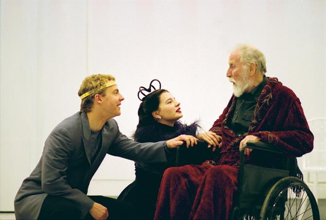 Samuel West, Catherine Walker and Alfred Burke rehearse for the modern-dress production, the latter sat in a wheelchair