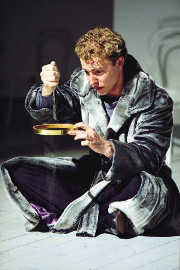 Samuel West in the title role of the 2000 production of Richard II