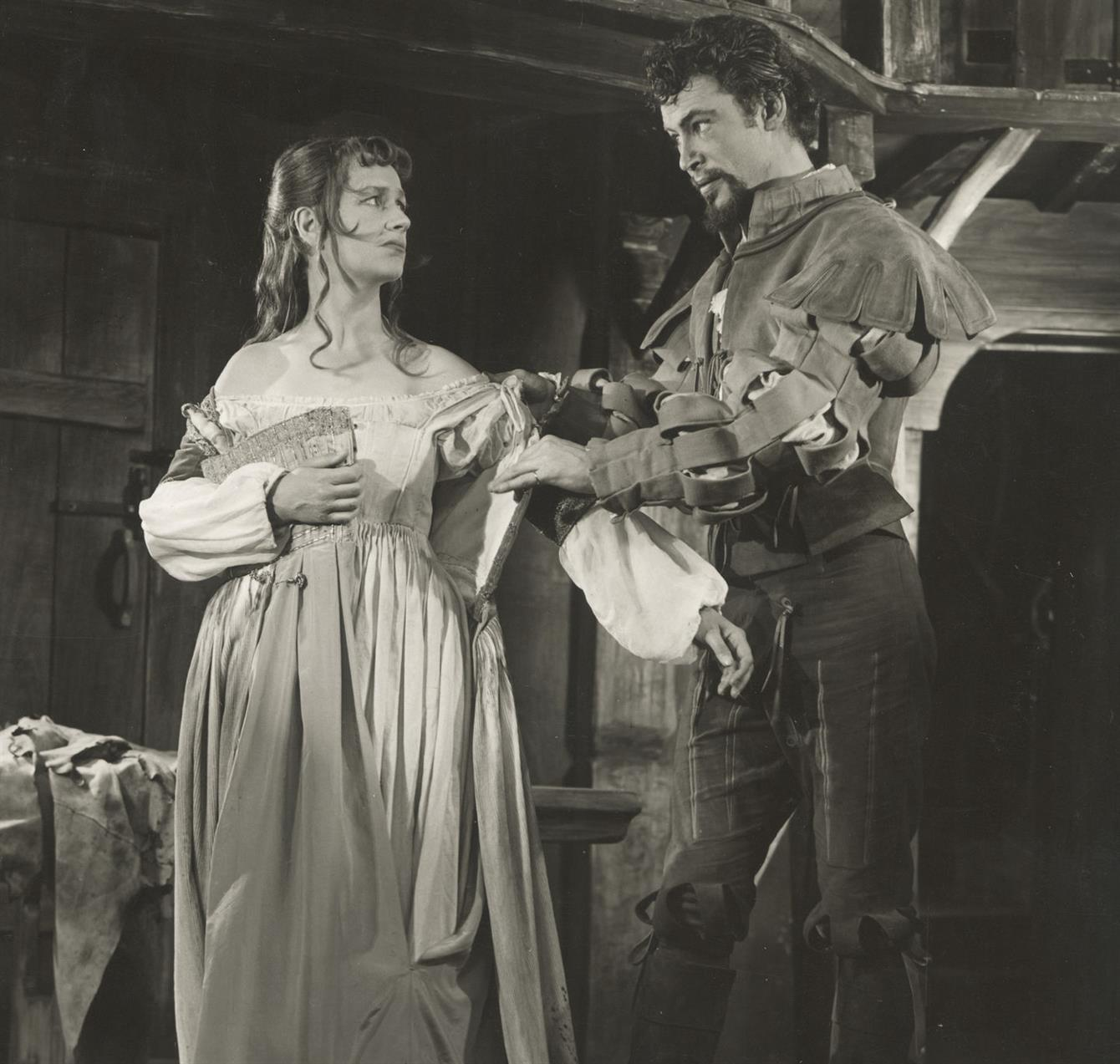 slys importance in the taming of Protagonists: kate, petruchio (pete), bianca, lucentio (lee) major conflict: pete's attempt to tame kate assert his authority in the marraige and overcome her hotheaded resistance to playing the role of his wife rising action: pete and kate early verbal conflicts kates many scenes of shrewish behaviour.