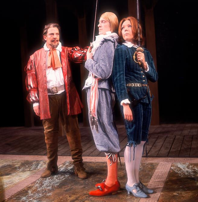 Sir Toby (Brewster Mason) prepares the reluctant Viola (Diana Rigg) and Sir Andrew (David Warner) for their duel in Twelfth Night
