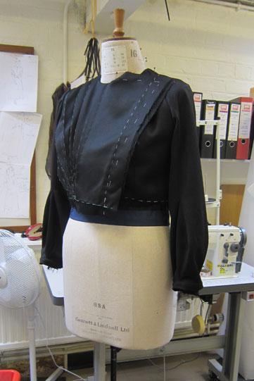 alls-well-countess-costume-bodice-361x541