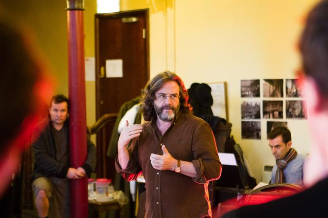 Director Gregory Doran in rehearsal for Heney IV Part I 2014