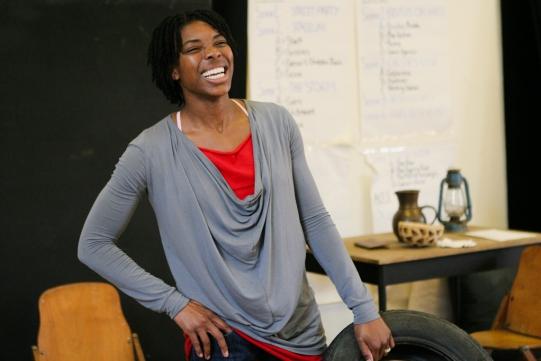 Ann Ogbomo laughing in rehearsal for Julius Caesar.