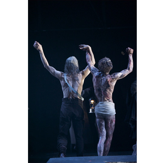 ​Lear (Greg Hicks) and Edgar disguised as Poor Tom (Charles Aitken).