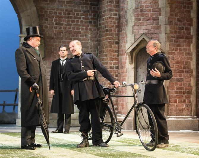 David Horovitch as Leonato, Peter Basham as Butler, Nick Haverson as Dogberry and Roderick Smith as Verges in Love's Labour's Won.