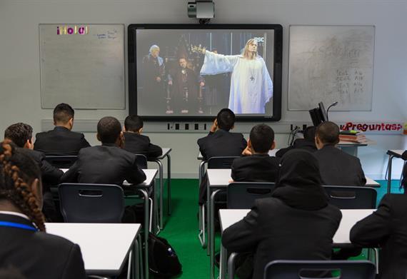Schools broadcast of Richard II in 2013 at Ravensbourne College