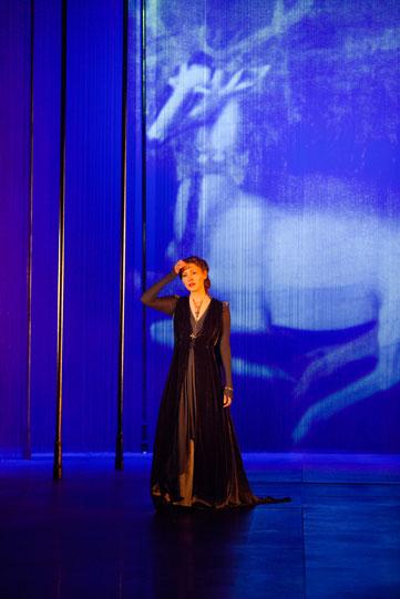 Emma Hamilton as The Queen in Richard II 2013, directed by Gregory Doran