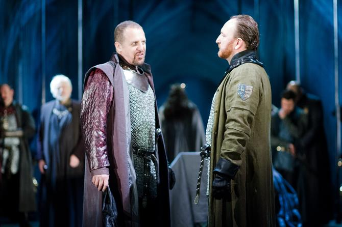 Henry Bolingbroke (Nigel Lindsay) challenges Thomas Mowbray (Antony Byrne) to a trial by combat