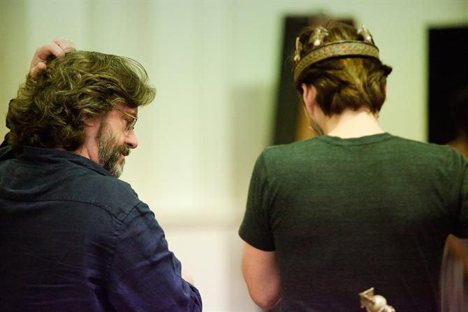 Gregory Doran and David Tennant in Richard II rehearsals