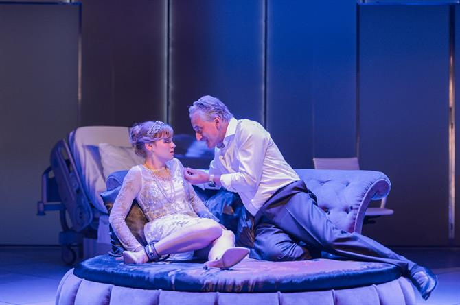 Henry Goodman as Volpone is out of disguise trying to seduce Rhiannon Handy as Celia.