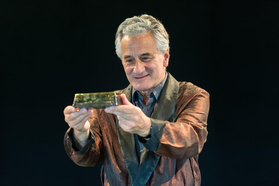 Henry Goodman as Volpone in Volpone