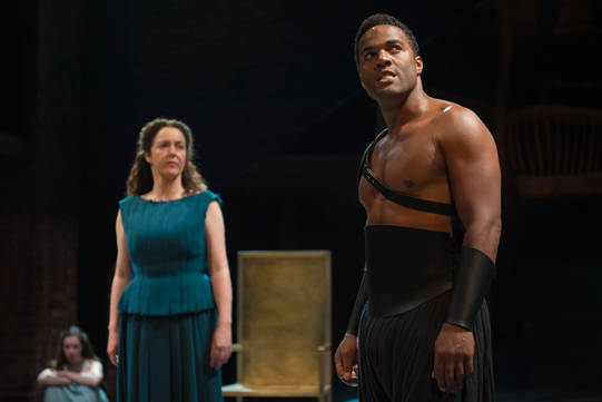 Derbhle Crotty as Hecuba and Ray Fearon as Agamemnon in Hecuba.