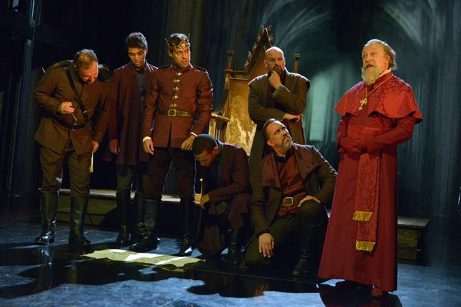 The cast of Henry V in Henry V.